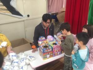 【画像】東日本大震災支援・鯉のぼりプロジェクト_2016年度_みなと保育園プレセント
